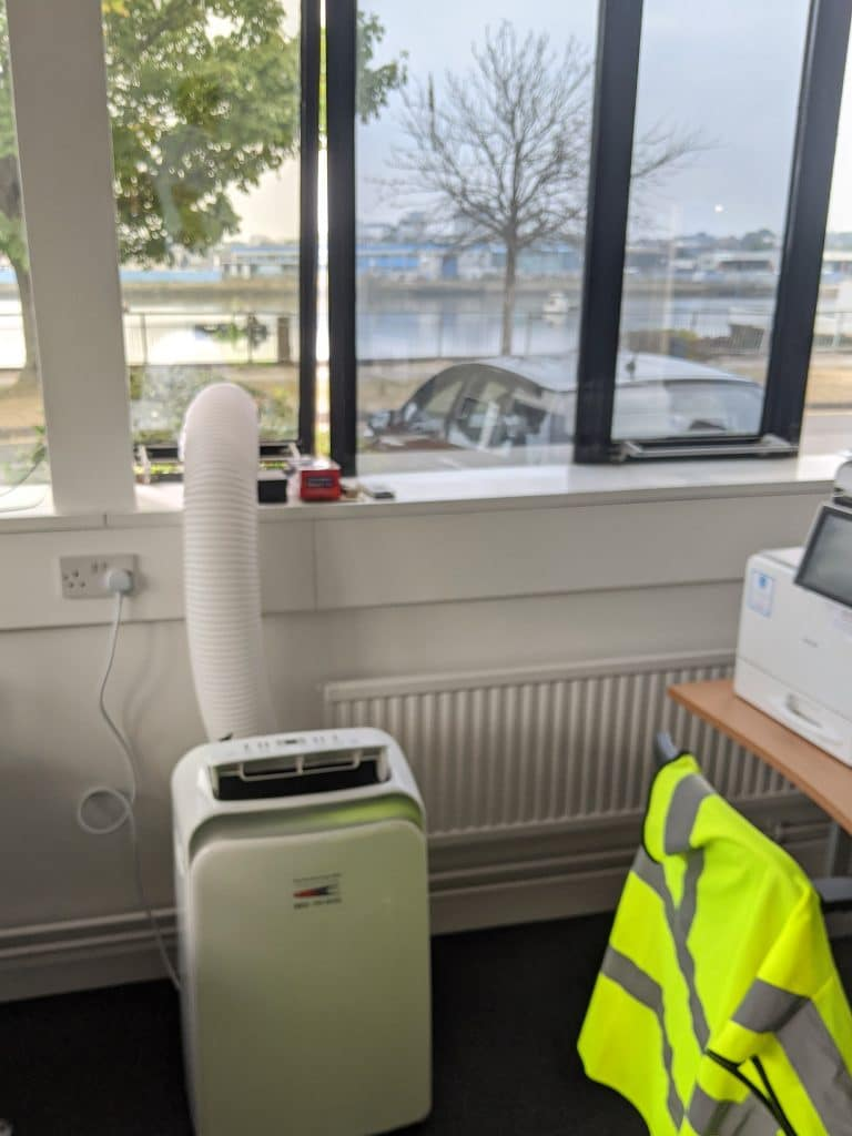 3.5kW hire aircon in office